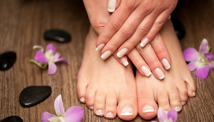 Manicure + pedicure + gelish
